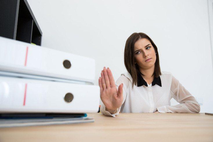 Muchas personas tienen miedo de ser cuestionadas o deteriorar una relación si dicen que no
