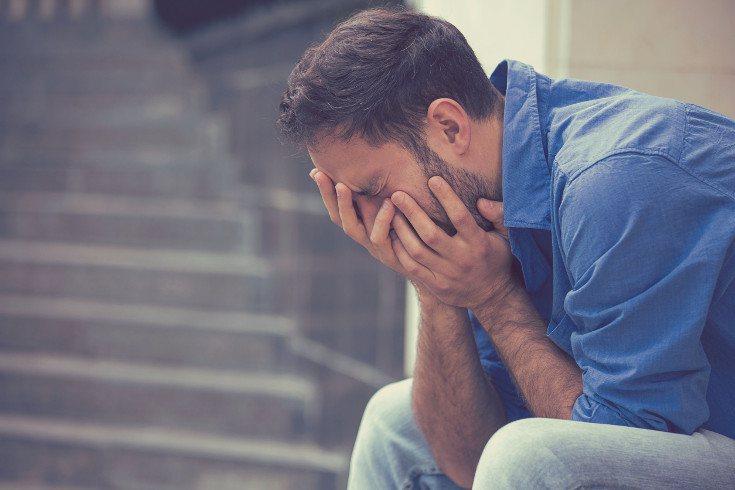 Intentar ignorar tus emociones te hará sentir peor, déjalas que fluyan cuando lo necesitas