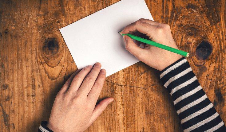 Hay personas a las que les ayuda escribir sobre el episodio traumático