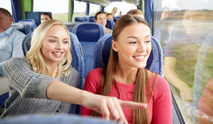 Viajar mejora tus habilidades comunicativas, sobre todo si vas solo o sola