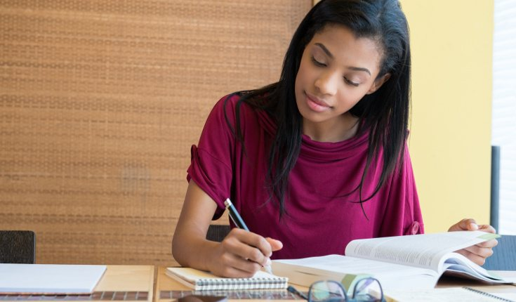 Descansa cada dos horas para ayudar a concentrarte cuando estés estudiando