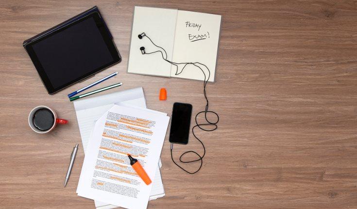 Busca un lugar adecuado, cómodo y bien iluminado para estudiar