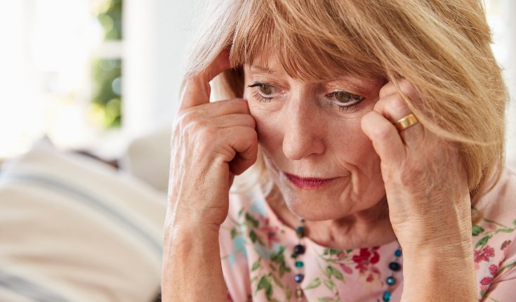 Las personas que cuidan a familiares con Alzheimer es fácil que desarrolles problemas como depresión