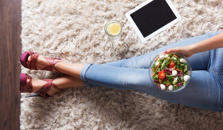 No intentes hacer dietas restringivas, simplemente adopta hábitos más saludables y haz ejercicio