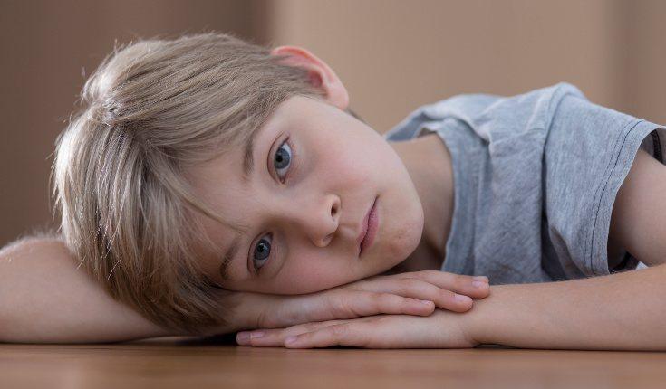 Los niños que crecen con la depresión en casa tienen que crecer antes