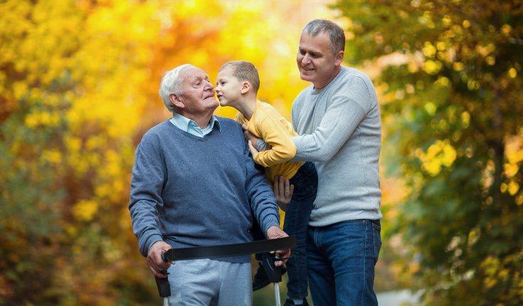 Debemos hablar con claridad y despacio a la persona que tiene Alzheimer