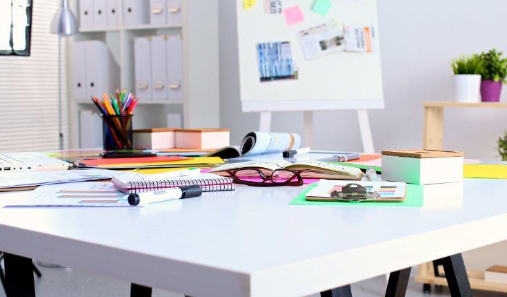 Reorganiza tu espacio de trabajo para evitar caer en la rutina tan pronto