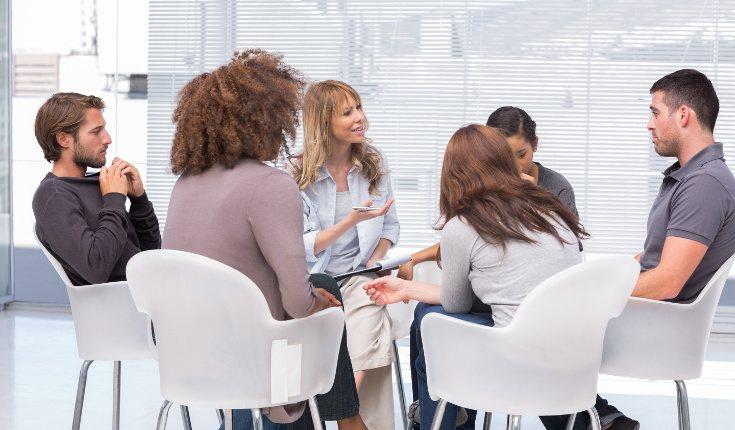 La terapia grupal nos ayuda a desarrollar técnicas de socialización