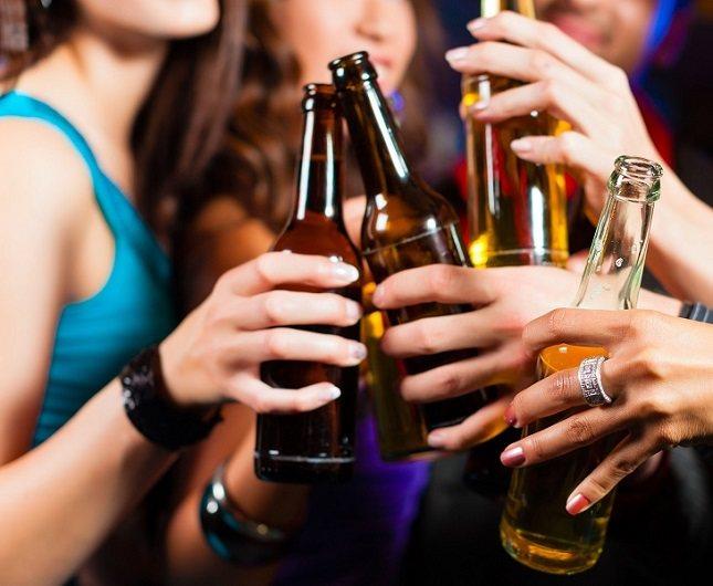 Es típico que los alcohólicos traten de culpar de su adicción a las personas que les rodean