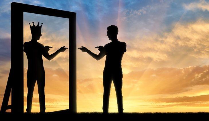Las personas narcisistas se caracterizan por necesitar atención constante