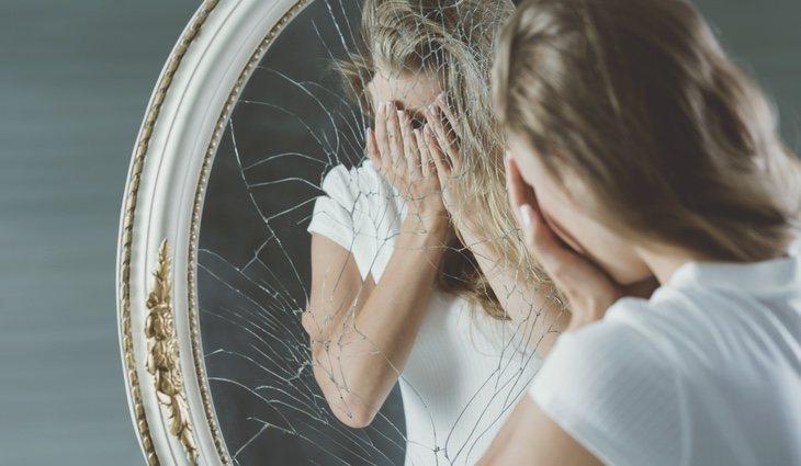 Pensar en negativo es una de las causas por las que aparece el sentimiento de inferioridad