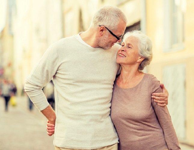 Una persona mayor puede sentirse temerosa y nerviosa