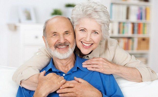 Mira hacia adelante para anticipar las necesidades futuras de una persona mayor