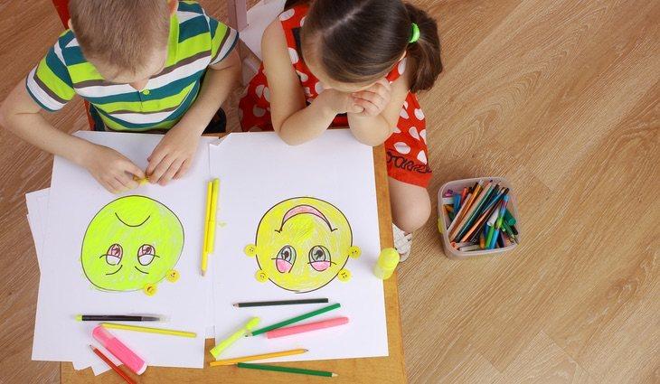 Es mejor enseñarles a gestionar sentimientos positivos y negativos desde niños