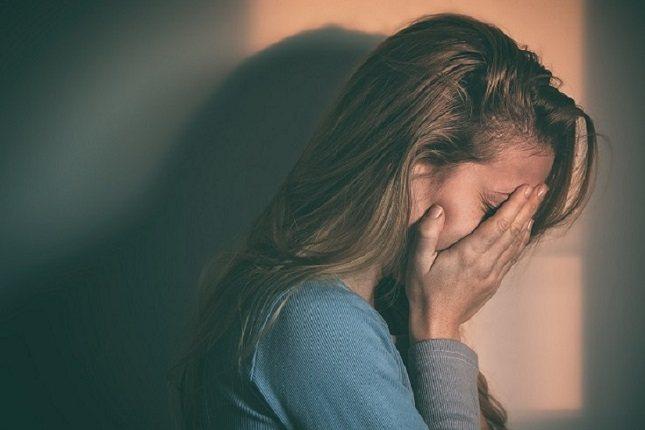 Los niveles más altos de ansiedad por apego conducen a respuestas más rápidas