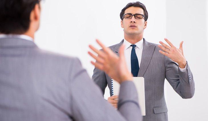 Un gran truco es usar gestos para memorizar palabras