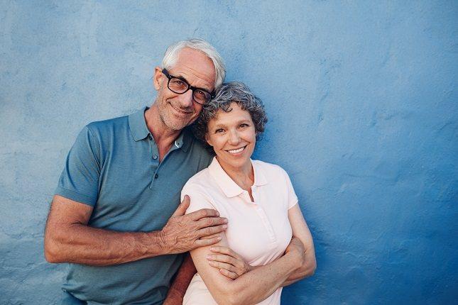 Los adultos experimentan cambios significativos en el desarrollo durante el proceso de envejecimiento