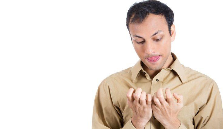 Hay varios comportamientos que pueden ser síntomas de sufrir TOC