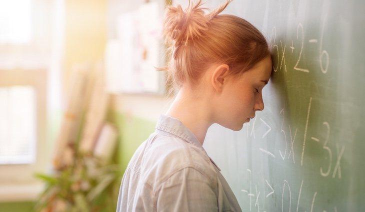 En el caso de niños y adolescentes, el bajo rendimiento puede ser un síntoma