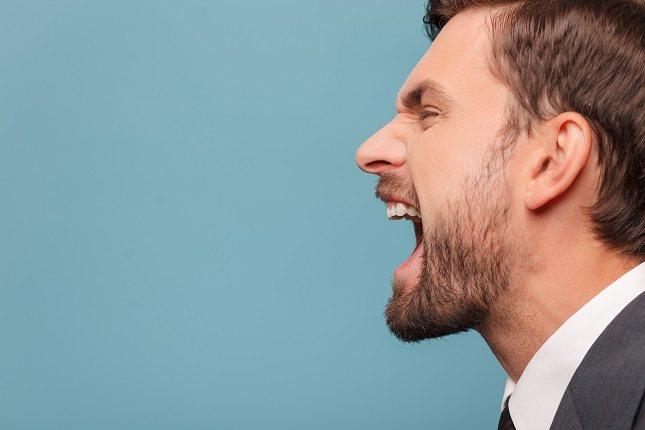 Es importante que las personas con problemas en el control de la ira sepan la diferencia entre afirmación y agresión