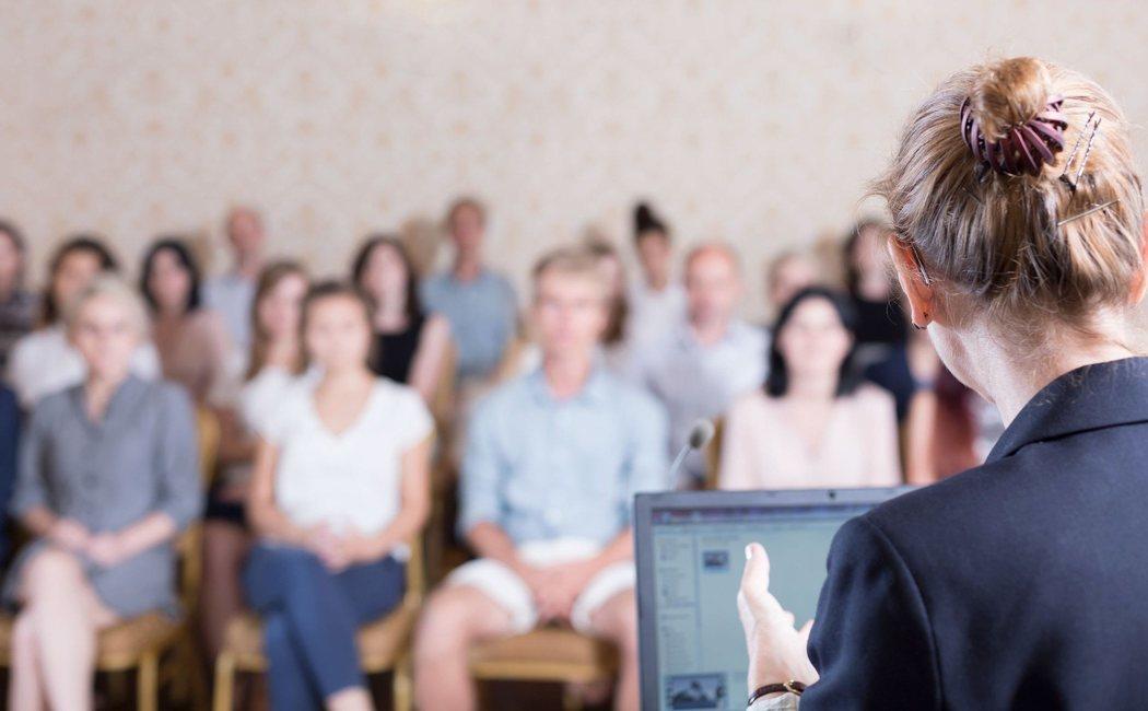 9 pautas para aprender a hablar en público sin miedo