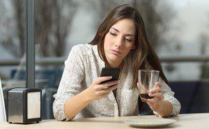 Redes sociales y síndrome de FOMO: cuando crees que la vida de los demás es mejor