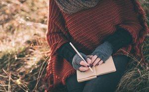 Escribir un diario de gratitud alivia tu estrés