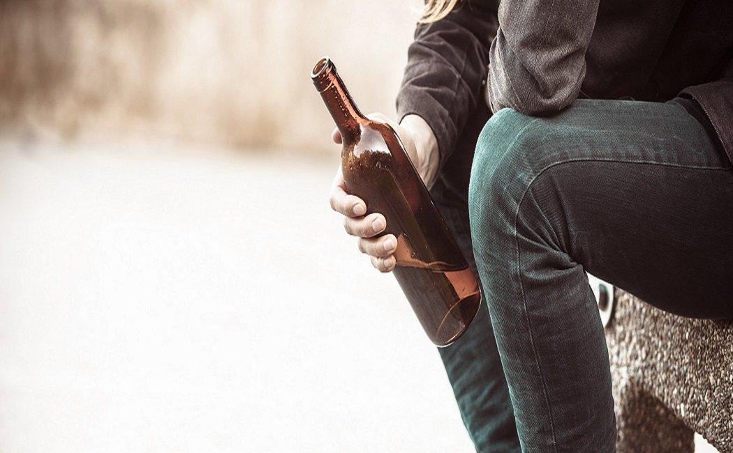 Cómo cuidar tu salud emocional si tu pareja es alcohólica