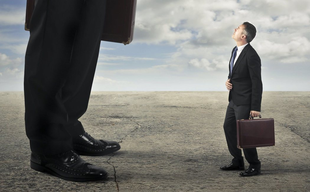 Sentimiento de inferioridad: qué es, causas y cómo tratarlo