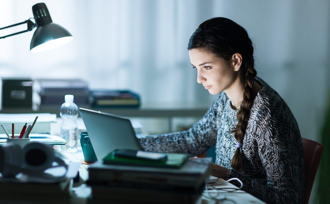 Trabajar de noche: qué hacer para enfrentar los problemas que ocasiona
