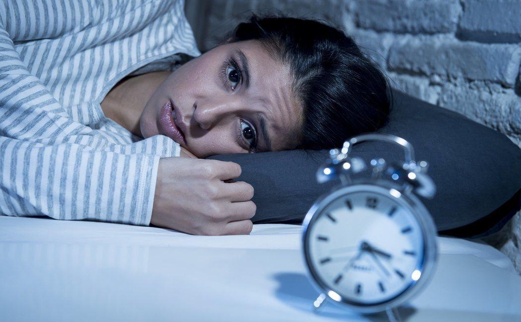 Dificultades para dormir por las noches: causas y soluciones