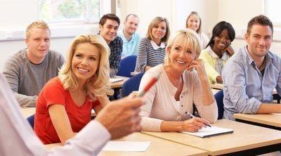 Los beneficios cognitivos de apuntarte a clases y actividades en la adultez